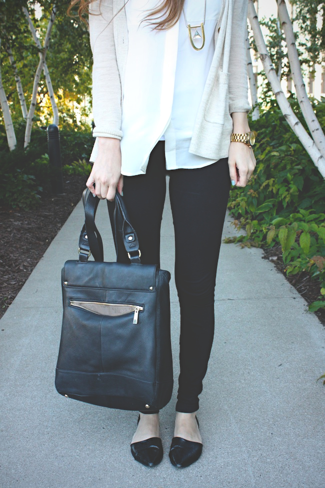 chelsea_zipped_blog_minneapolis_fashion_style_blogger_madewell_jewelmint_j.crew_pixie_pants_chinese_laundry_vince_camuto_warby_parker4.jpg