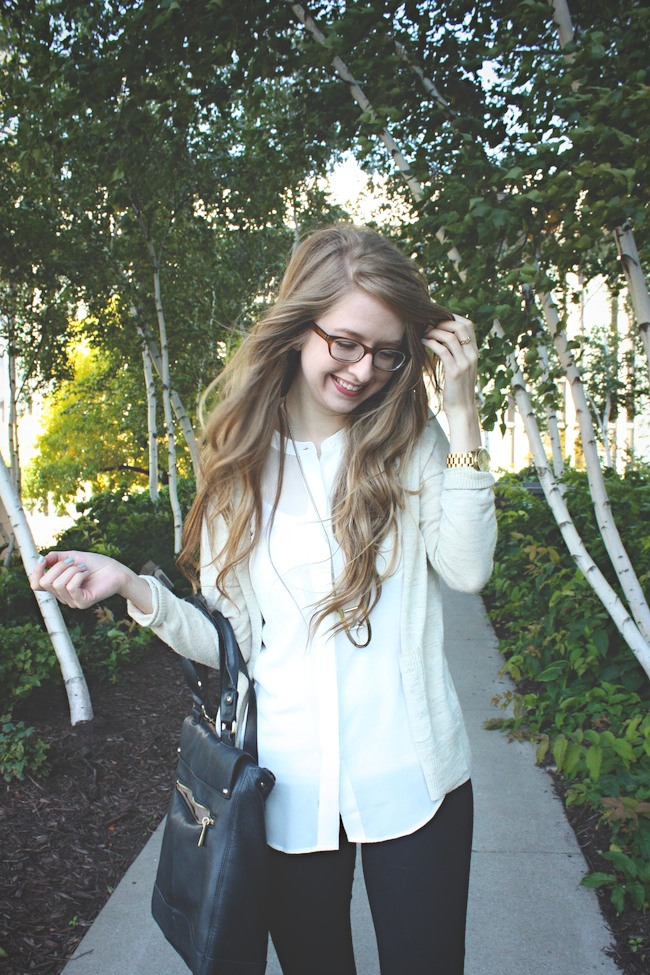 chelsea_zipped_blog_minneapolis_fashion_style_blogger_madewell_jewelmint_j.crew_pixie_pants_chinese_laundry_vince_camuto_warby_parker3.jpg
