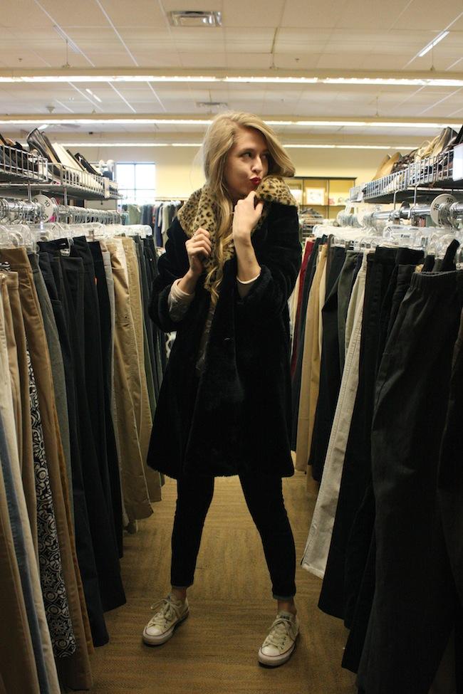 chelsea+lane+zipped+truelane+blog+minneapolis+fashion+blogger+resale+101+thrift+shop8.jpg
