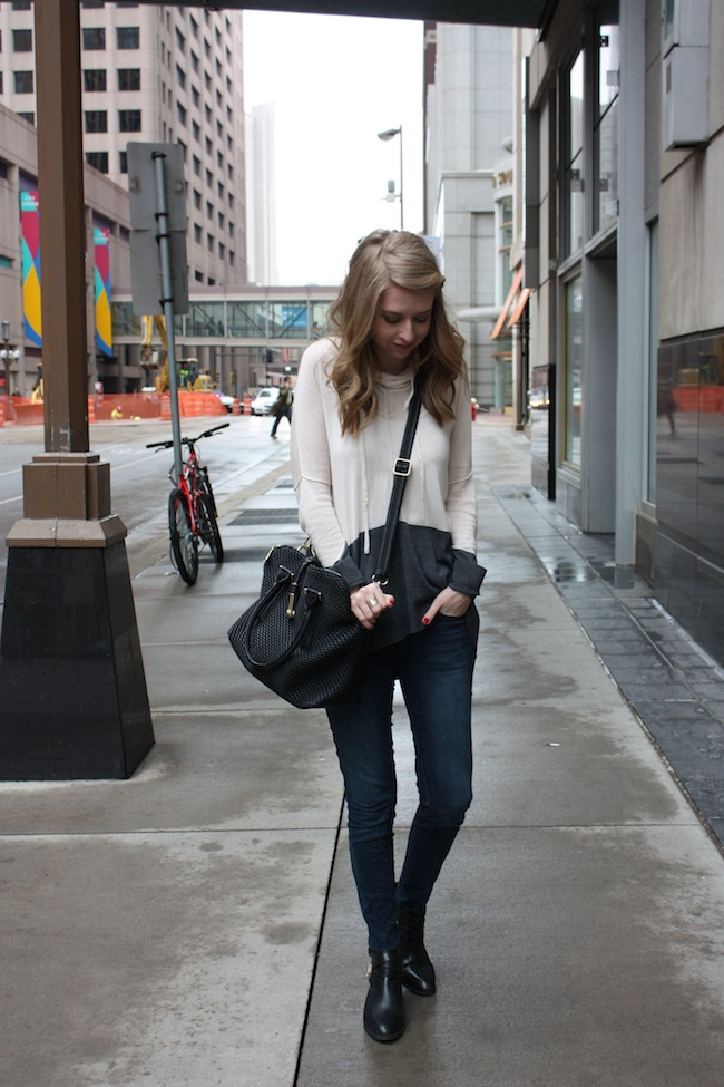 chelsea+lane+truelane+zipped+blog+minneapolis+fashion+style+blogger+lee+and+birch+justfab+quilted+denim+globetrotter+bag+seychelles+scroundel1.jpg