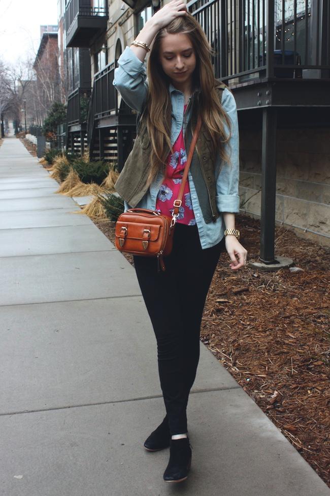 chelsea_lane_zipped_minneapolis_fashion_blog_blogger_parc_boutique_chambray_jcrew_pixie_pants_sam_edelman_petty_black_francescas4.jpg