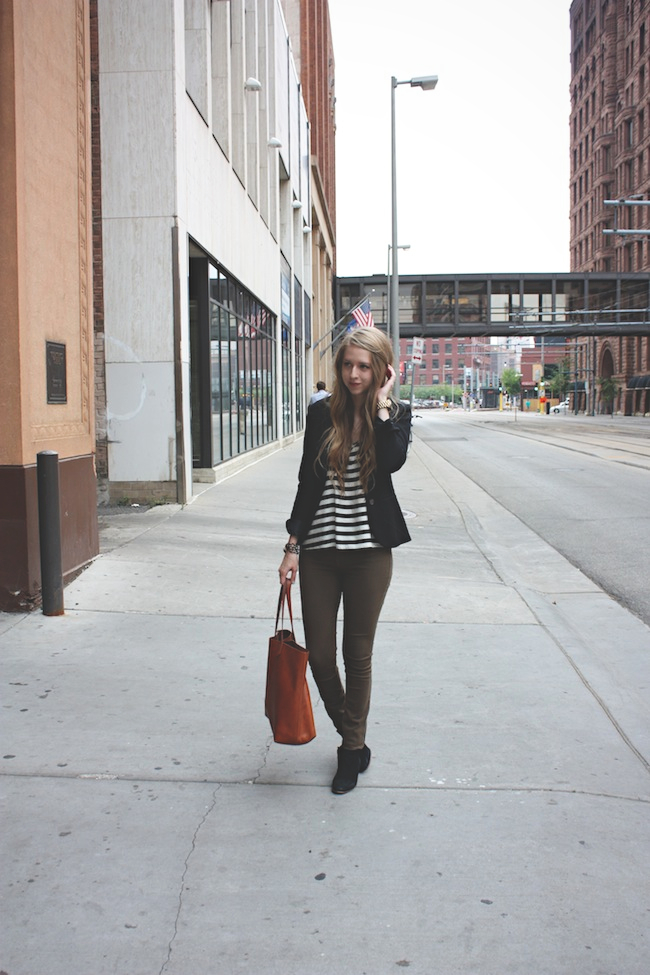 chelsea_lane_zipped_blog_minneapolis_fashion_blogger_hm_henry_and_belle_denim_sam_edelman_petty_madewell_transport_tote5.jpg