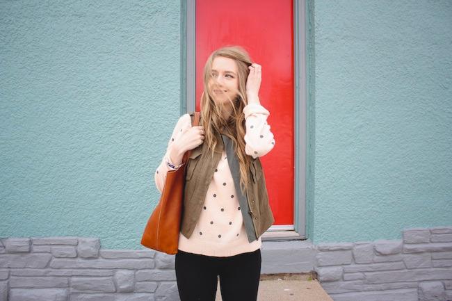 chelsea_lane_minneapolis_fashion_blog_blogger_zipped_parc_boutique_cargo_vest_forever_21_dot_sweater_jcrew_pixie_pants_superga_2750_grey_madewell_transport_tote5.jpg