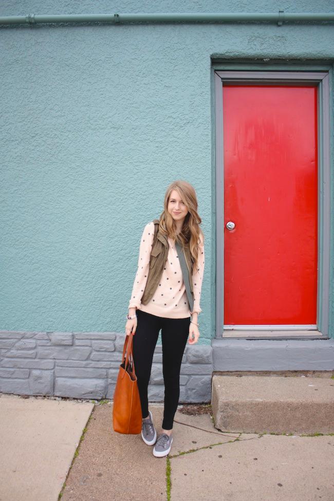chelsea_lane_minneapolis_fashion_blog_blogger_zipped_parc_boutique_cargo_vest_forever_21_dot_sweater_jcrew_pixie_pants_superga_2750_grey_madewell_transport_tote1.jpg