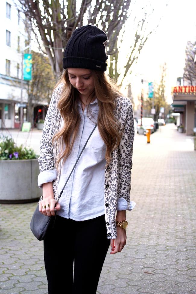 minneapolis_fashion_blog_michaelkors_knithat_eddiebauer_chambrayshirt_forever21_leopardcardigan_jcrew_pixiepants_samedelman_pettyboots3.jpg