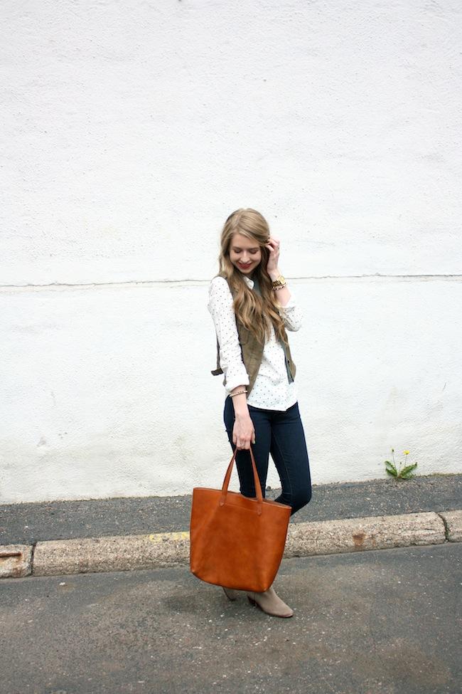 chelsea_lane_zipped_minneapolis_fashion_blog_blogger_jcrew_dot_button_up_gap_denim_legging_sam_edelman_petty_putty_madewell_transport_tote_par_boutique_vest1.jpg