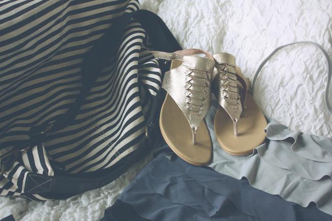 chelsea+lane+truelane+zipped+minneapolis+fashion+style+blogger+eden+pier+swimwear+koolaburra+sandals+beach+pool+essentials7.jpg