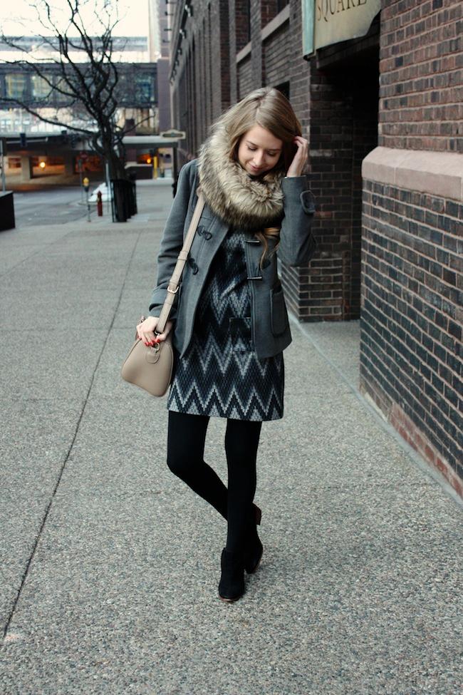 minneapolis_fashion_blogger_threedots_dress_samedelman_petty_ankleboots_michaelkors_fauxfur_snood1.jpg