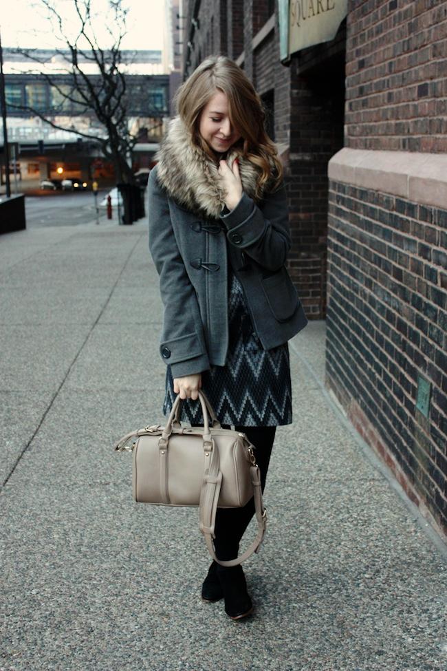 minneapolis_fashion_blogger_threedots_dress_samedelman_petty_ankleboots_michaelkors_fauxfur_snood2.jpg