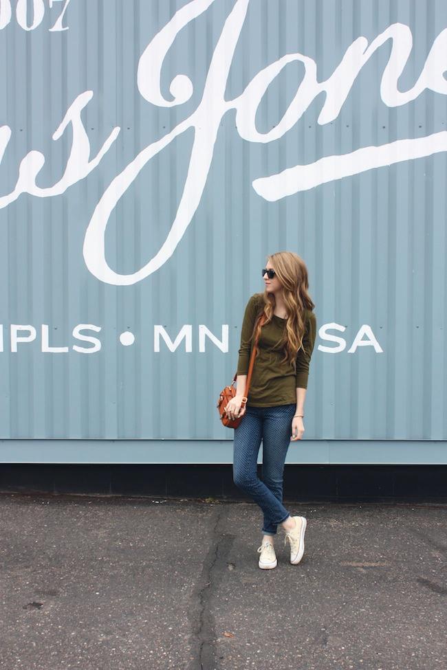 chelsea_minneapolis_fashion_blog_zipped_blogger_lauren_conrad_polka_dot_jeans_converse_low_tops_cream_ray_ban_wayfarer_new3.jpg