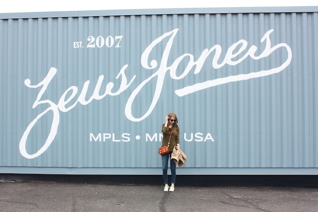 chelsea_minneapolis_fashion_blog_zipped_blogger_lauren_conrad_polka_dot_jeans_converse_low_tops_cream_ray_ban_wayfarer_new.jpg