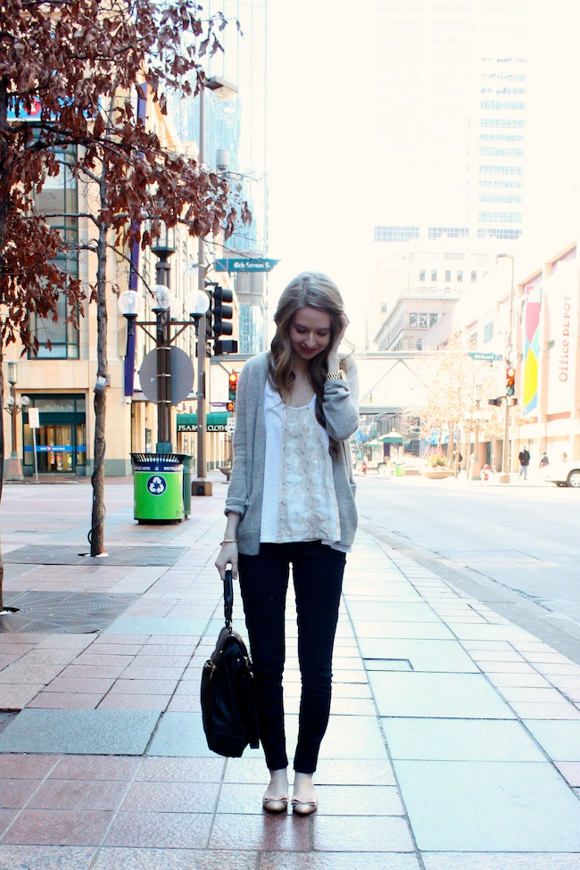 minneapolis_fashion_blog_blogger_chelsea_forever_21_free_people_jcrew_pixie_pants_nine_west_patent_bow_nude_flats_vince_camuto_micha_tote3.jpg