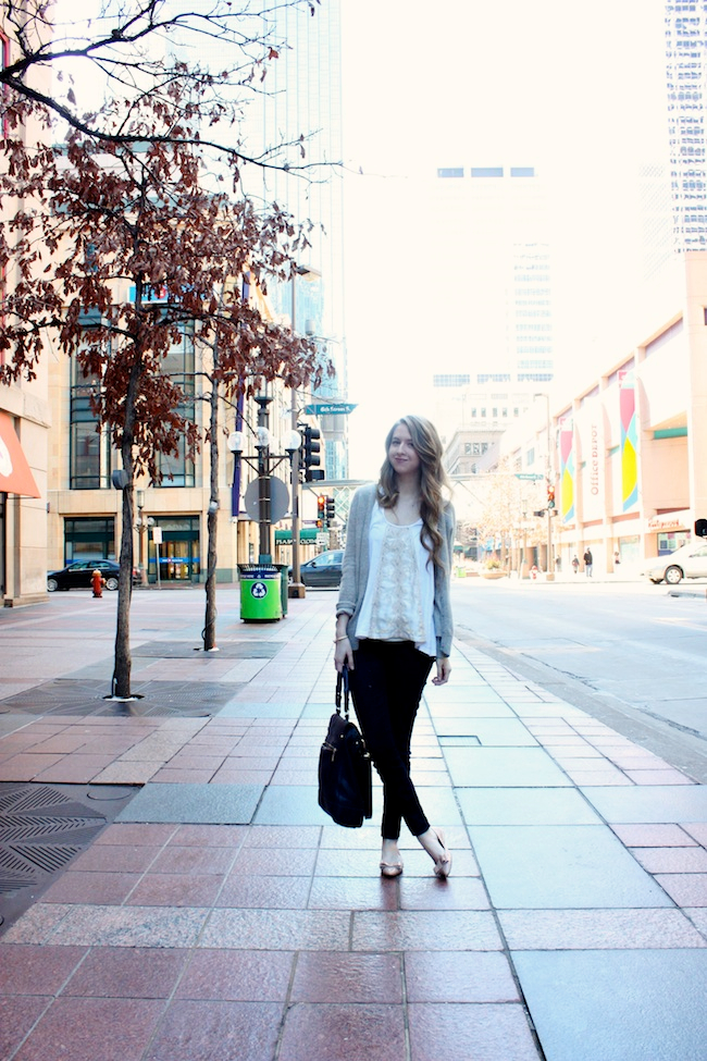 minneapolis_fashion_blog_blogger_chelsea_forever_21_free_people_jcrew_pixie_pants_nine_west_patent_bow_nude_flats_vince_camuto_micha_tote.jpg