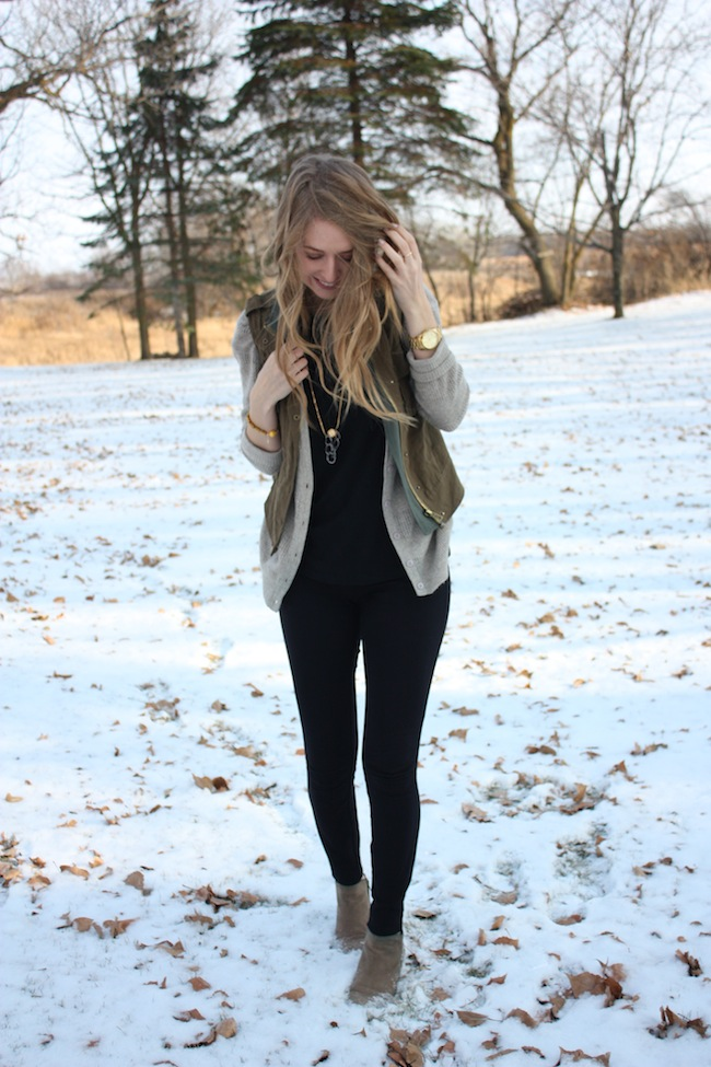 chelsea+lane+zipped+truelane+blog+minneapolis+fashion+style+blogger+bb+dakota+sbg+designs+spy+necklace+sam+edelman+petty+putty+ankle+boots+jcrew+pixie+pants+parc+boutique2.jpg