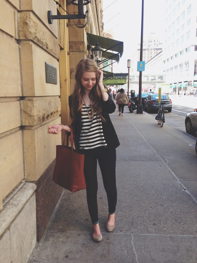 chelsea_lane_zipped_minneapolis_fashion_blogger_H&M_stripes_blazer_gap_denim_leggings_mia_abie_flats_madewell_transport1.jpg