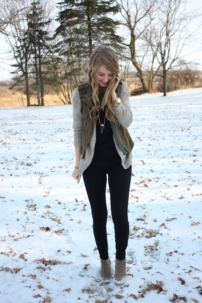 chelsea+lane+zipped+truelane+blog+minneapolis+fashion+style+blogger+bb+dakota+sbg+designs+spy+necklace+sam+edelman+petty+putty+ankle+boots+jcrew+pixie+pants+parc+boutique3.jpg