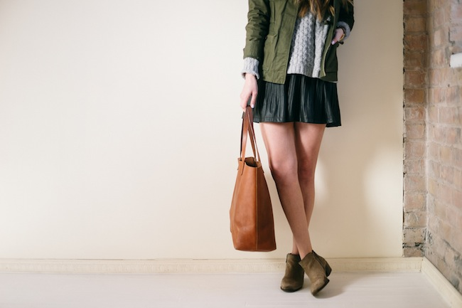 chelsea+lane+zipped+truelane+blog+minneapolis+fashion+style+blogger+madewell+transport+tote+weather+jacket+sam+edelman+petty+putty+pbj+boutique+blu+pepper+skirt8.jpg