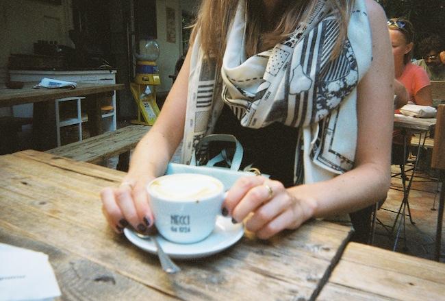 chelsea+zipped+truelane+blog+rome+italy+disposable+camera+prints8.jpg
