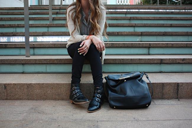 chelsea_lane_zipped_blog_minneapolis_fashion_blogger_modern_vice_jett_ankle_boots_vince_camuto_forever_21_jcrew_pixie_pants_madewell_cardigan3.jpg