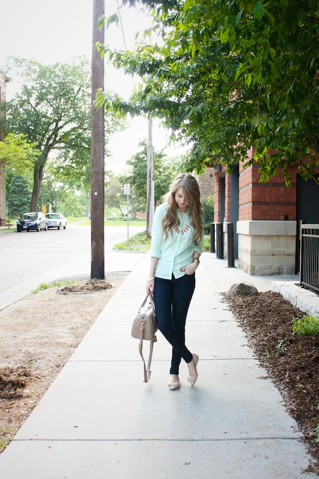 chelsea_lane_zipped_minneapolis_fashion_blog_blogger_gap_mint_oxford_denim_leggings_nine_west_patent_bow_flats_francescas_handbag_lily_and_violet1.jpg