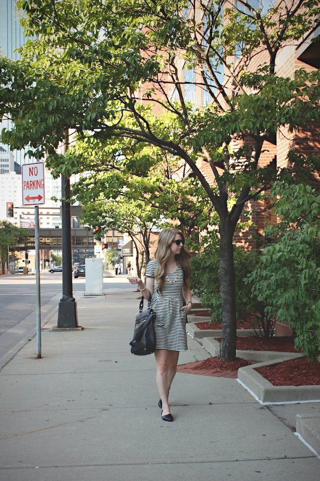 chelsea_zipped_blog_minneapolis_fashion_blogger_chinese_laundry_flats_madewell_vince_camuto3.jpg