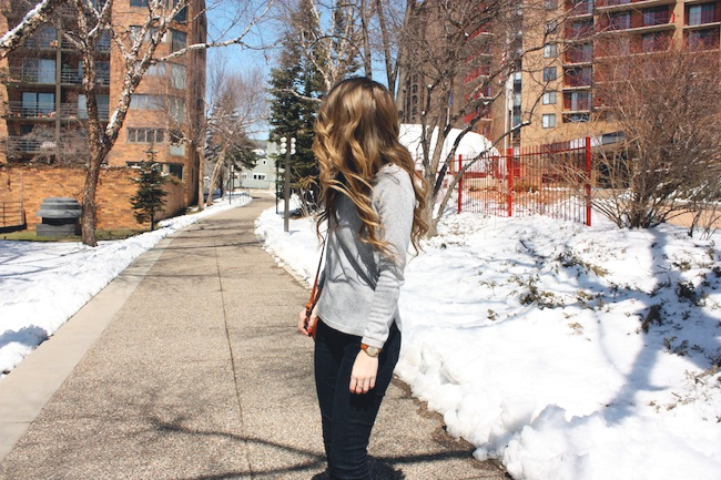 chelsea_lane_zipped_fashion_blog_minneapolis_madewell_gap_denim_leggings_sam_edelman_petty_putty_francescas_crossbody2.jpg