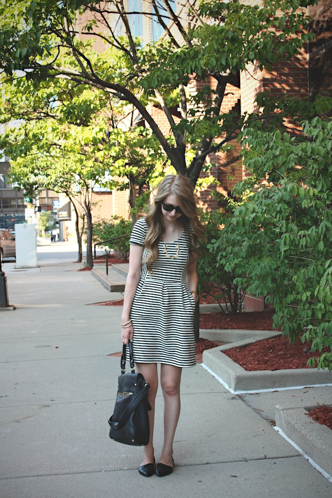 chelsea_zipped_blog_minneapolis_fashion_blogger_chinese_laundry_flats_madewell_vince_camuto1.jpg