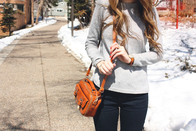 chelsea_lane_zipped_fashion_blog_minneapolis_madewell_gap_denim_leggings_sam_edelman_petty_putty_francescas_crossbody.jpg