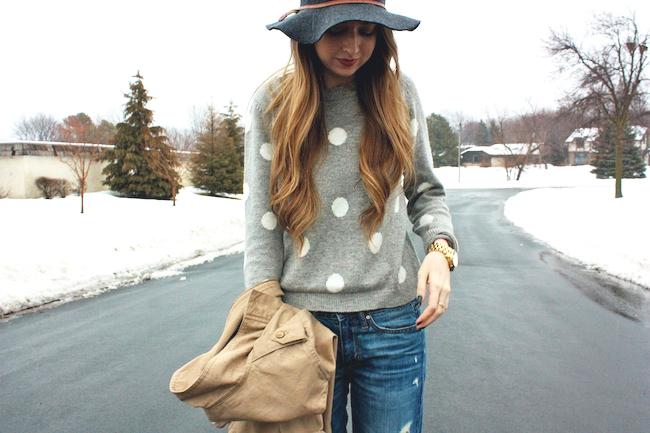 minneapolis_fashion_blog_blogger_forever21_gap_boyfriend_jeans_minnetonka_moccasin_apart_style_cropped_trench_floppy_hat_rain2.jpg