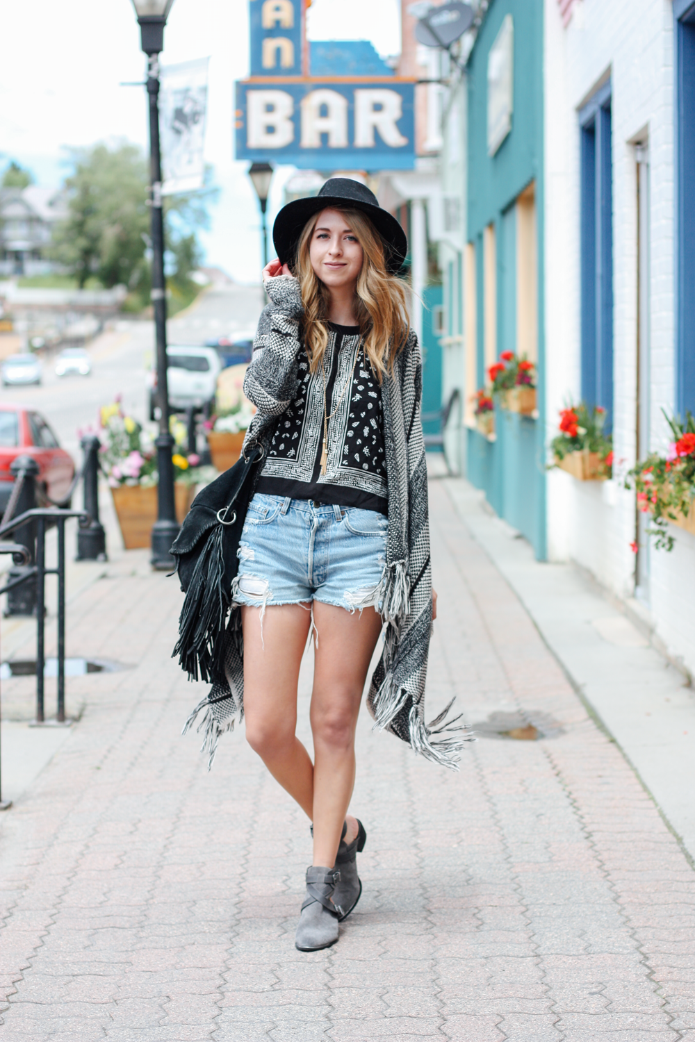truelane in Leadville, CO wearing Forever 21, Nordstrom, and Circus by Sam Edelman.png