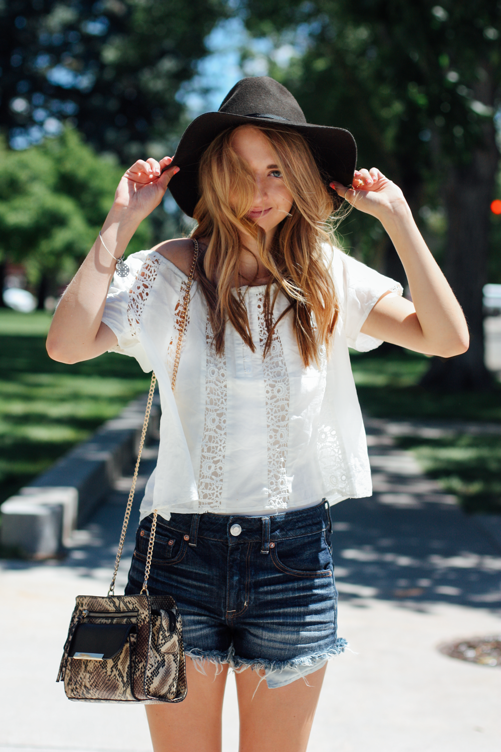 American Eagle hat, Forever 21 blouse, and JustFab handbag via truelane at Cheyenne Frontier Days.png