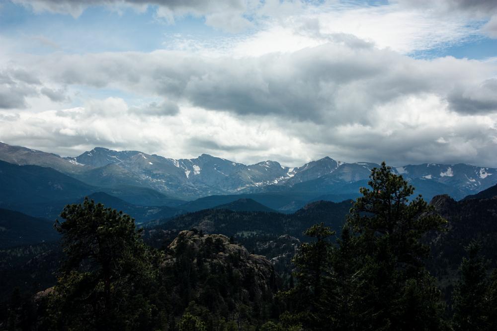 Gem Lake hiking trail in Estes Park, Colorado via truelane.png