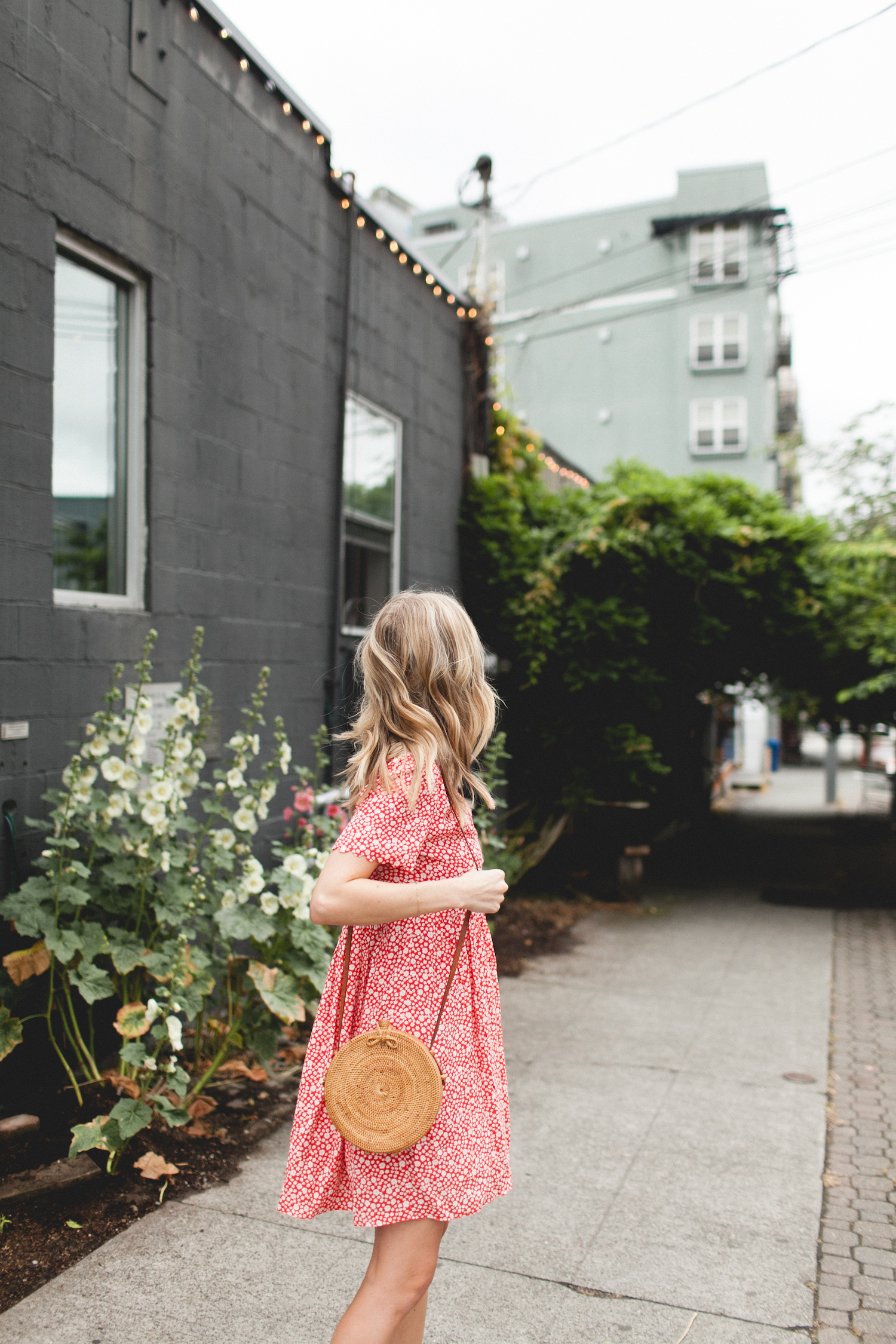 sezane, fremont, seattle, style, mini dress, daisy dress, 90s style, red dress, summer outfits, cute summer clothes, white sneakers, straw circle bag
