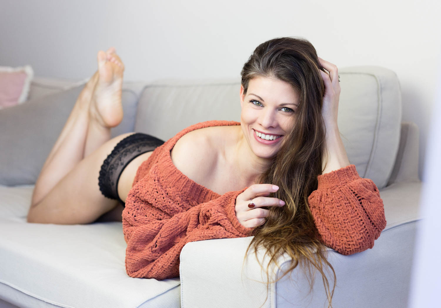 SWEATERS - Very cozy and natural outfit to start the photoshoot and make you feel at ease. Everyone has a sweater in their closet. Otherwise you can use our comfy blanket. Pick this outfit to capture some lifestyle sexy images.