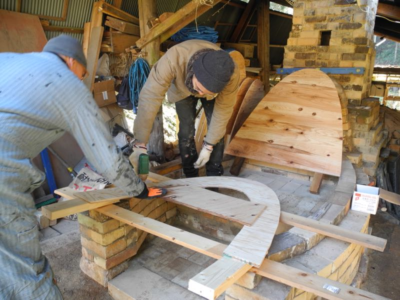 Day 4: Kento and Rob building the arch form.