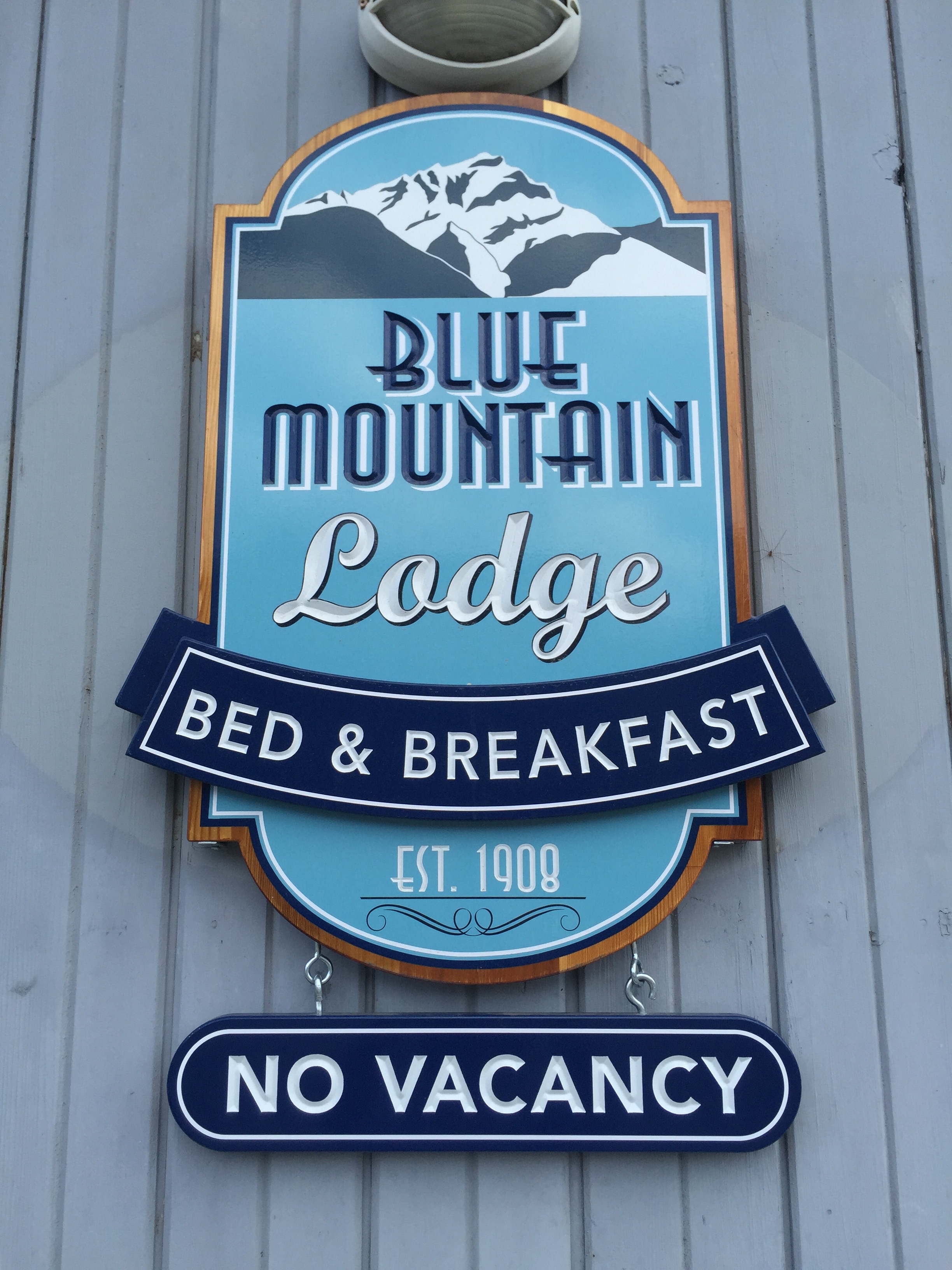 Blue Mountain lodge B&B | Banff, Alberta Canada | 2015 Heather Woolery All Rights Reserved