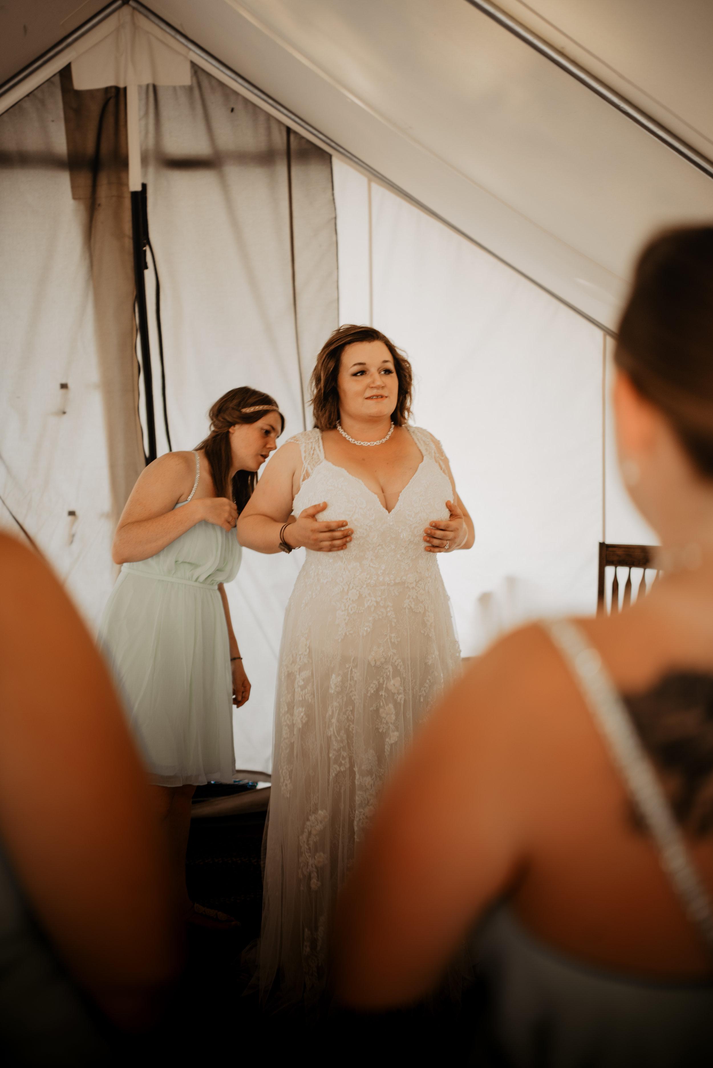 CT Wedding_Getting Ready-18.jpg