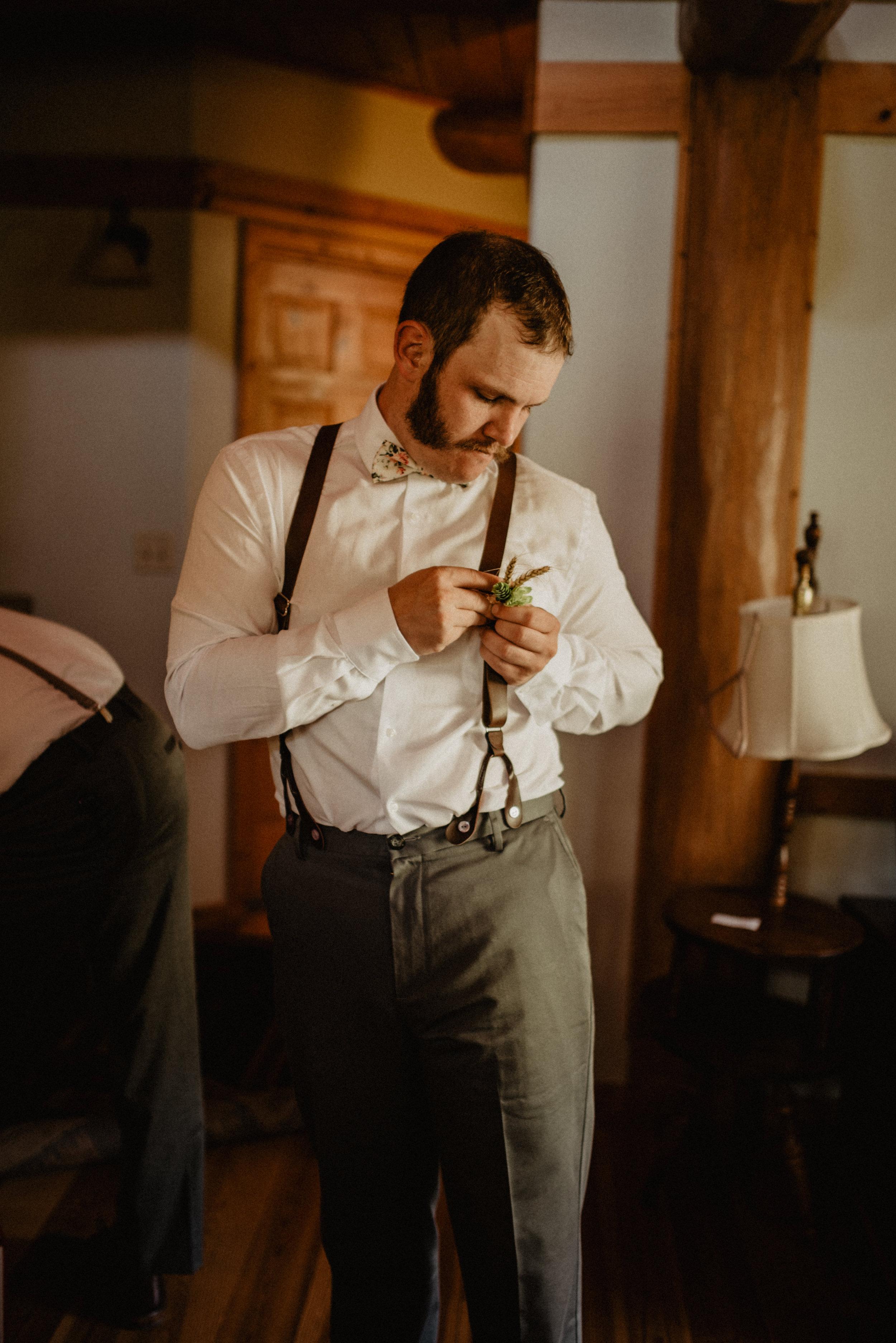 CT Wedding_Getting Ready-27.jpg