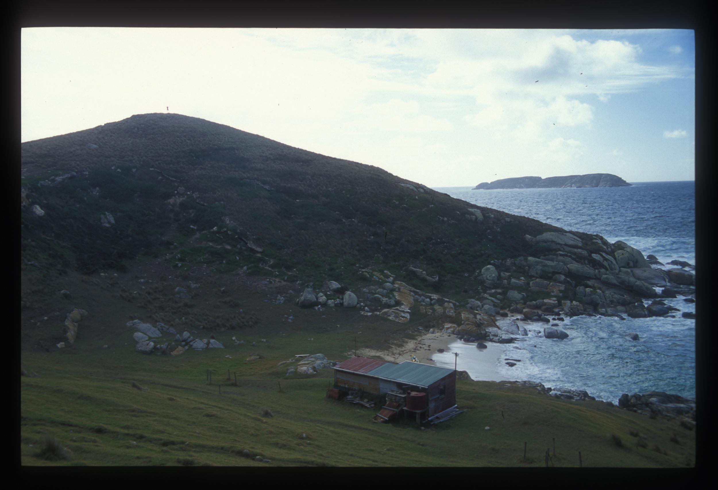 cabin hogan.jpg