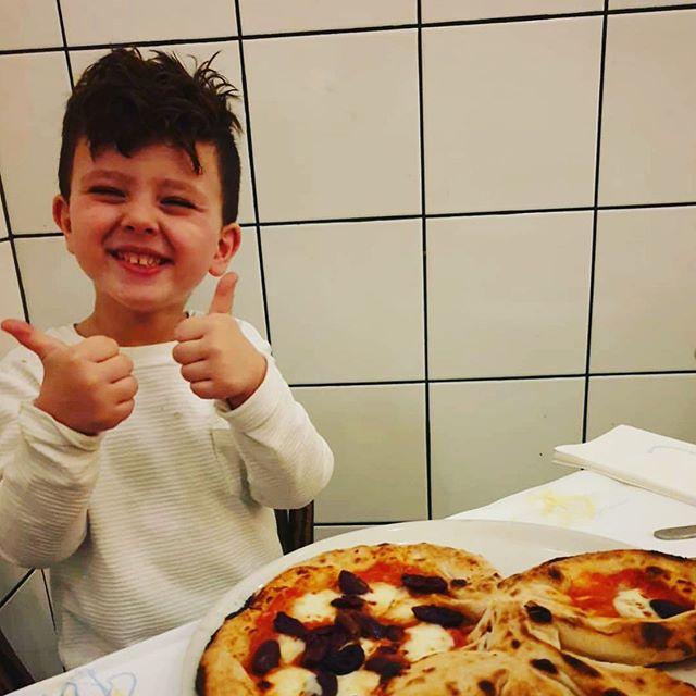 We got the double thumbs up!! #pizza #handmade #bentleigh #melbourne #bestpizzamelbourne #artisan #withpassion #woodfiredpizzamelbourne #weliveforpizza #melbourneiloveyou #melbournefoodie #fire #melbournedinner #igmelbourne #foodie #food #italiansdoitbetter #liveinitalian #australia