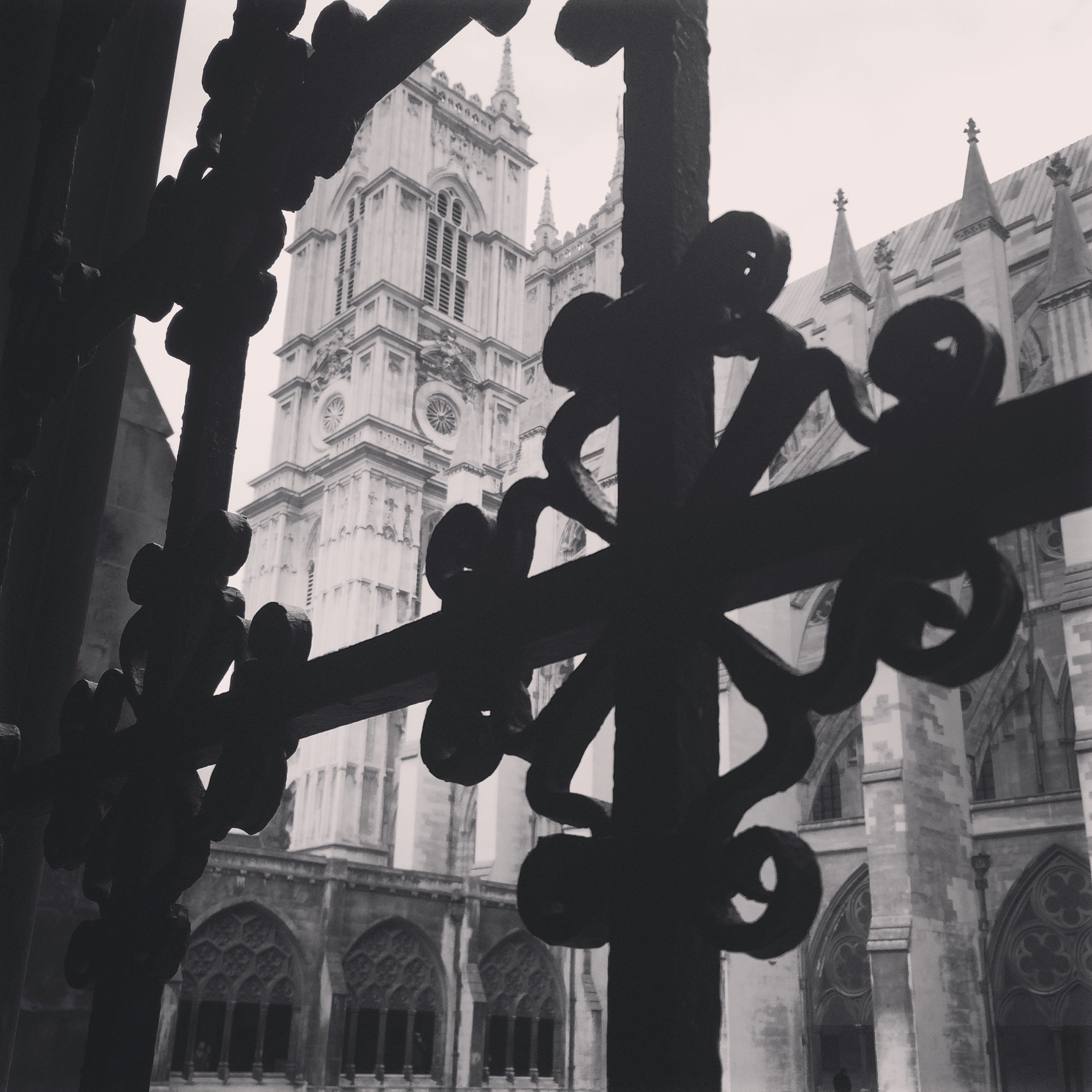 Cloister View at Westminster Abbey.JPG