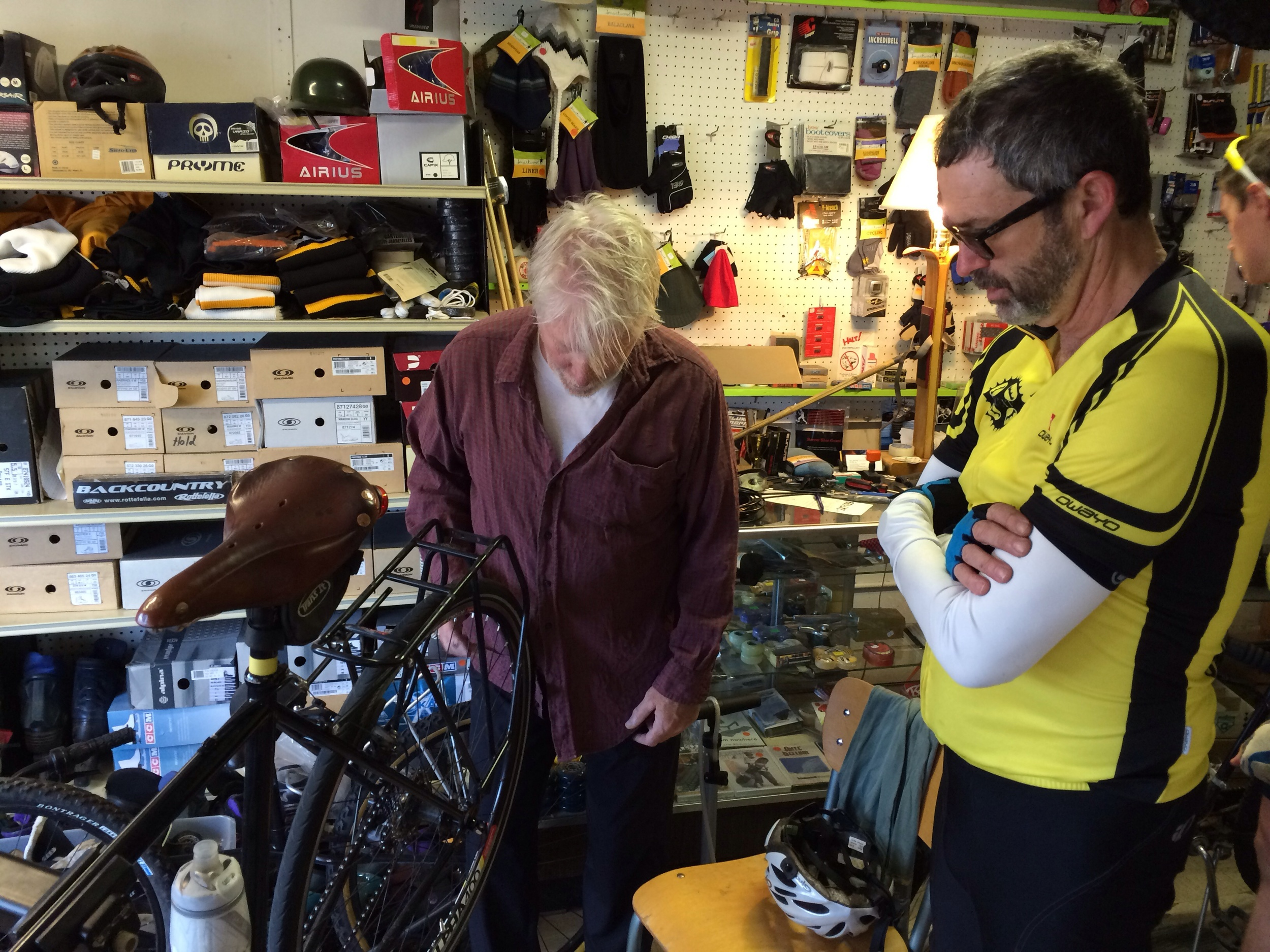 The local mechanic rolled out of bed to give it the old college try, as Ed looks on dubiously.