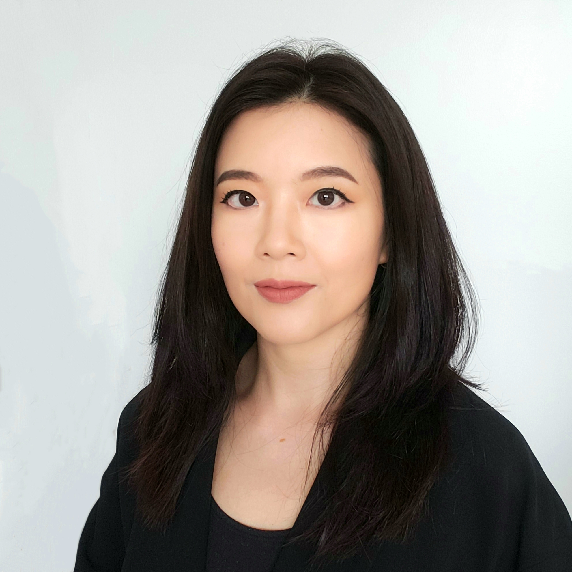 Emma Lau LinkedIn.jpg