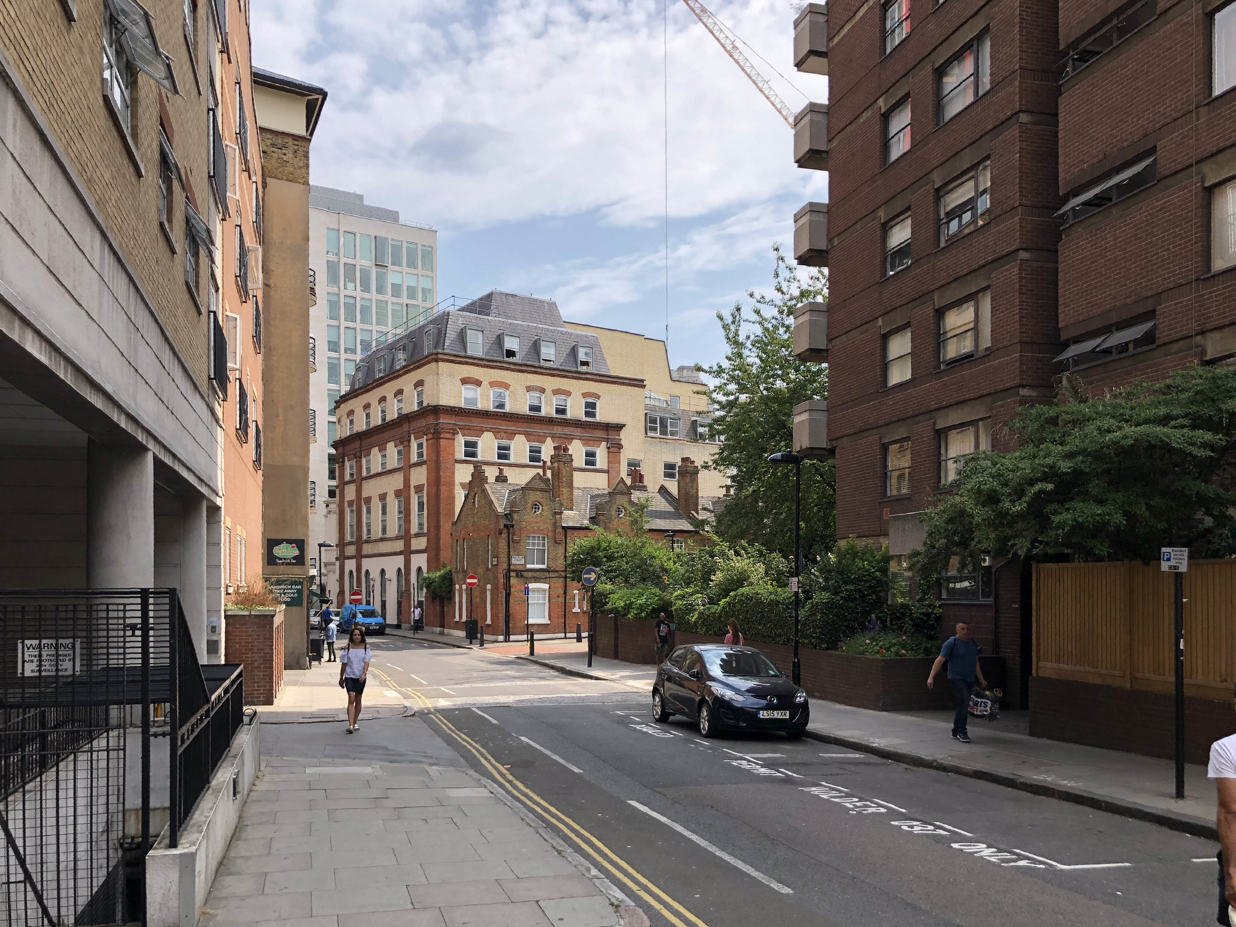 white-red-architects-london-storrington-court-courtyard.jpg