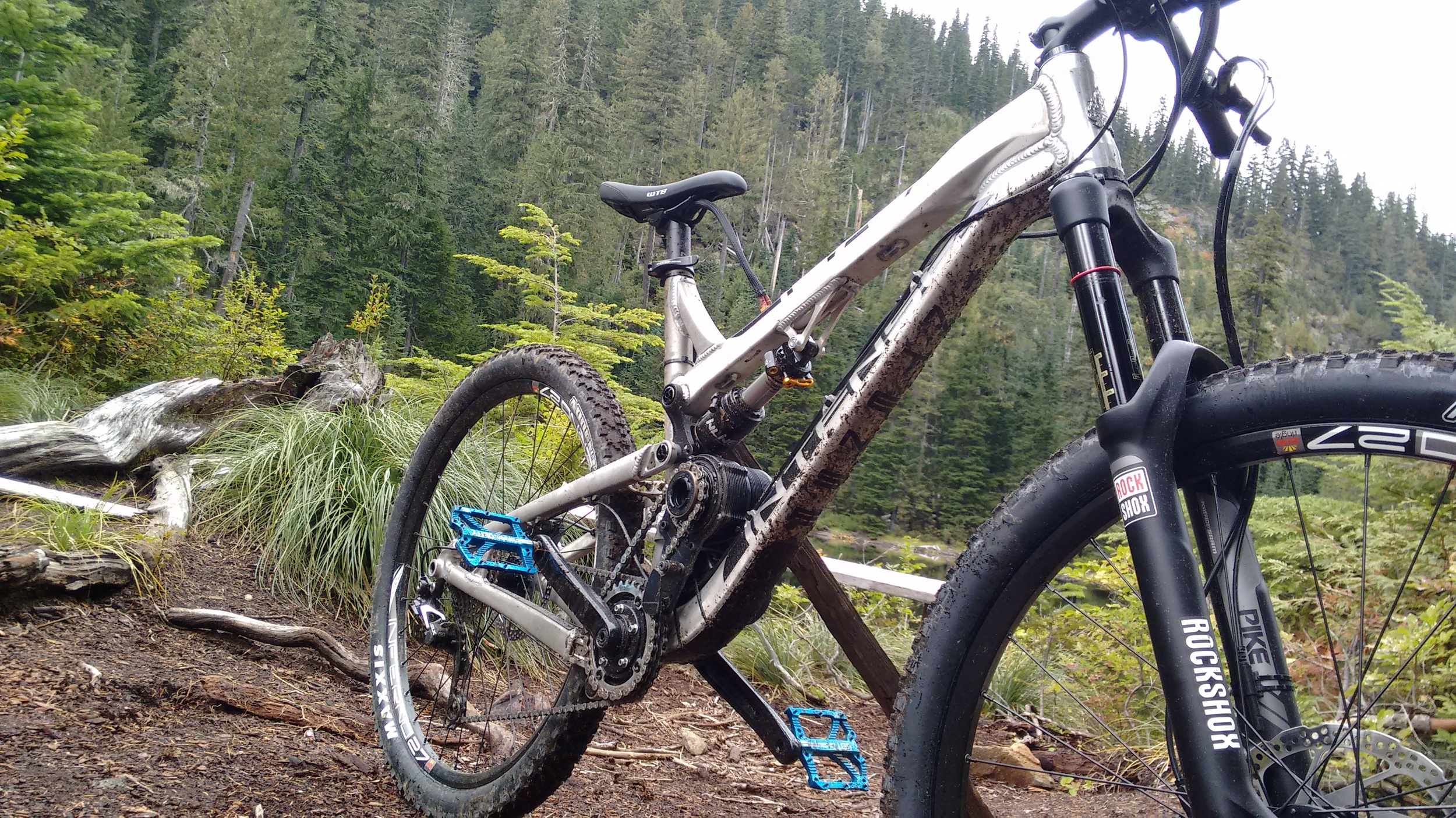 6 inches of reactive all-mountain suspension, 6kW, 36lbs. Every trail is new again.