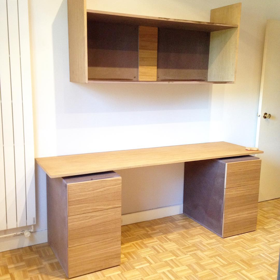 Bureau et étagère.jpg