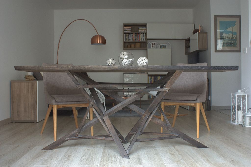 Table à manger - Chêne massif - Châssis en nœuds de bois