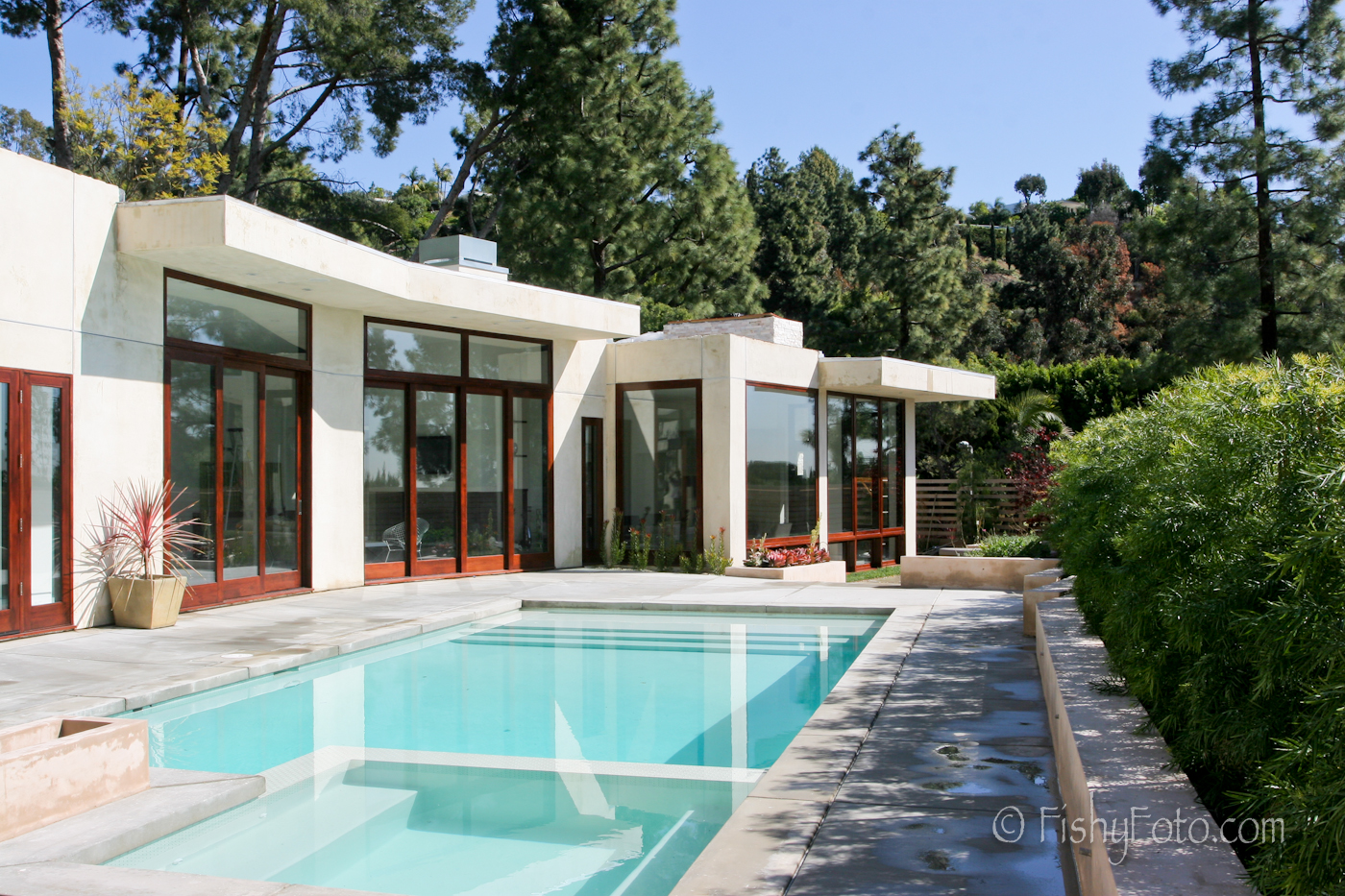 http://www.trulia.com/homes/California/Beverly_Hills/sold/4319689-1435-Loma-Vista-Dr-Beverly-Hills-CA-90210