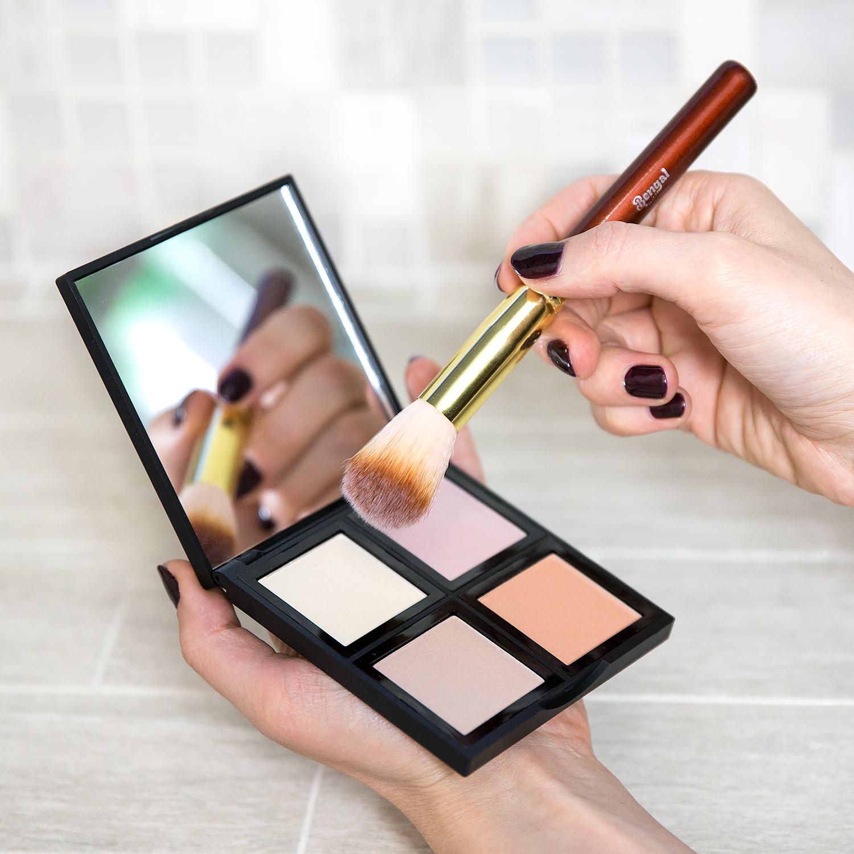 Brush-with-Makeup.jpg