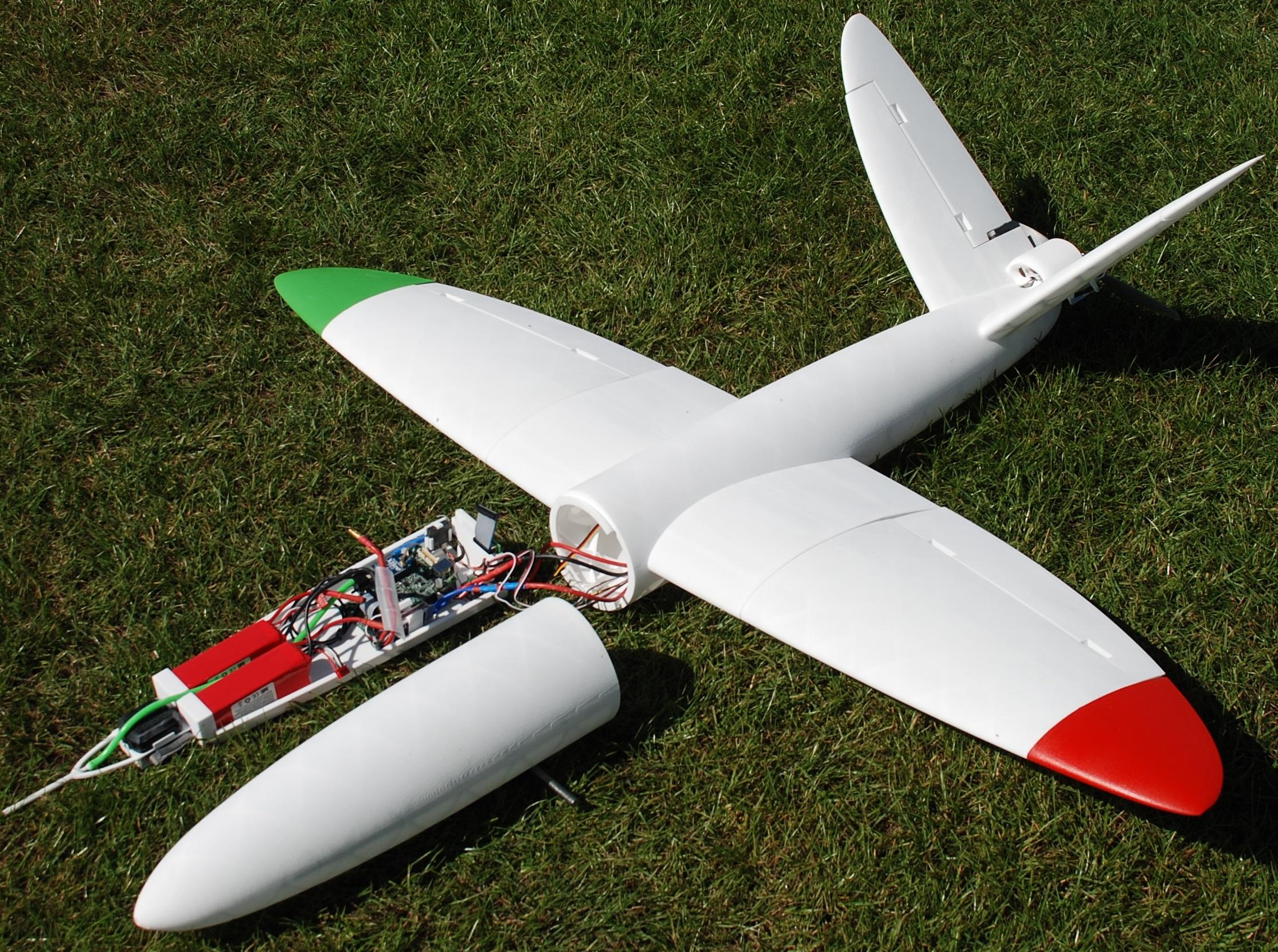 [[The world's first 3D-printed aircraft, designed using my PhD simulation model.///Das weltweit erste 3D-gedruckte Flugzeug, entiwckelt mit Hilfe meiner Agenten-Simulation.]]